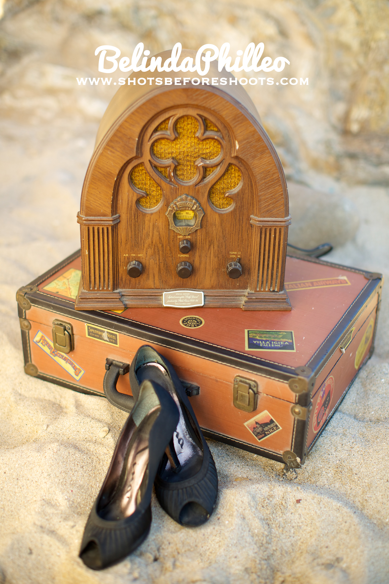 vintage radio and suitcase